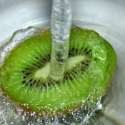 מים אחרי פירות